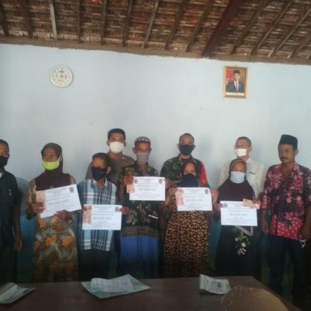 Penyerahan BLT Dana Desa Periode April Desa Gunem