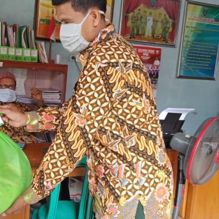 Penyerahan Bantuan Baznas Desa Gunem Kec. Gunem Kab. Rembang Tahun 2021