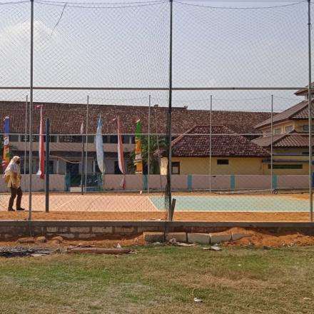 Pembangunan Lapangan Volly Desa Gunem Kecamatan Gunem